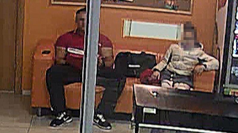 В Екатеринбурге тренера обвинили в педофилии после того, как он посидел на одном диване с девочкой