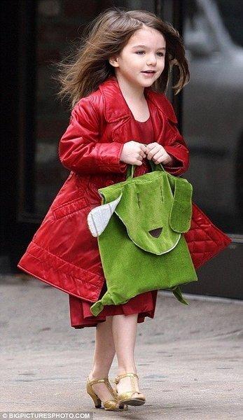 Дочка Тома Круза и Кэти Холмс на каблуках (13 фото)