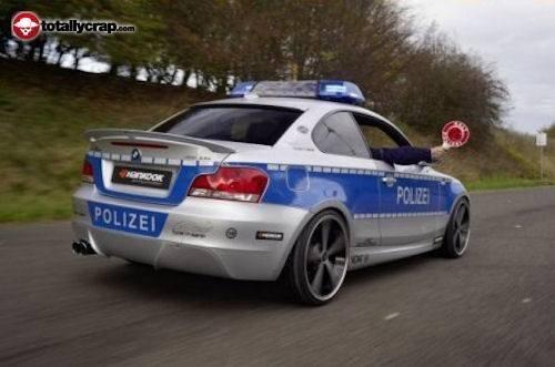 Полицейская машина с автошоу в Эссен (16 фото)