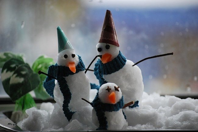 Позитивные снеговики (28 фото)