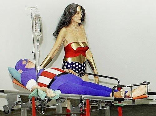 Супергерои на пенсии (3 фото)