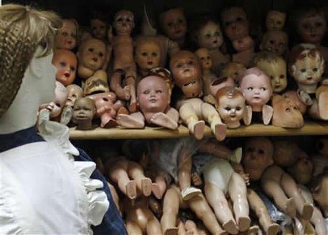 Кукольная больница (9 фото)