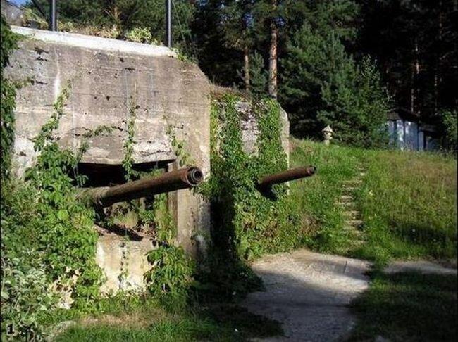 Бункер времен Второй Мировой Войны (22 фото)