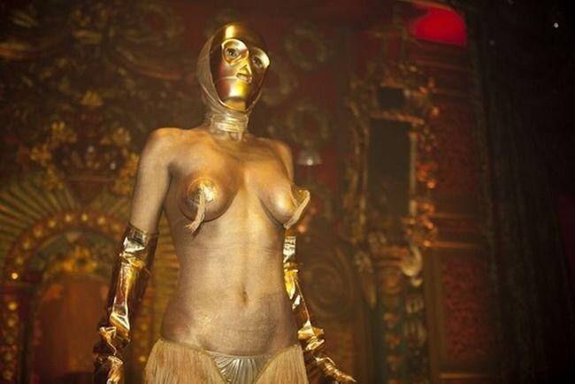 Показ сексуальных костюмов на тему Звездных Воинов (13 фото)