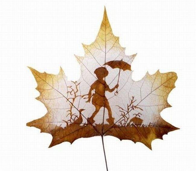 Картины на листьях (15 фото)