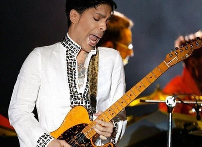Прикольные лица гитаристов (33 фото)
