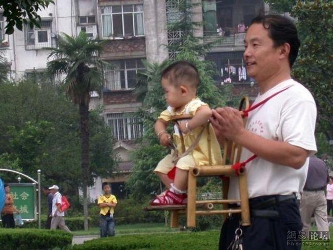 Китайское приспособленее для переноса детей (4 фото)
