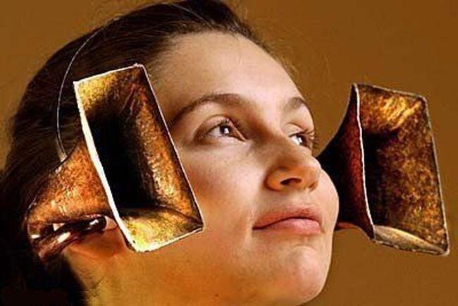 Слуховые аппараты из прошлого (15 фотографий)