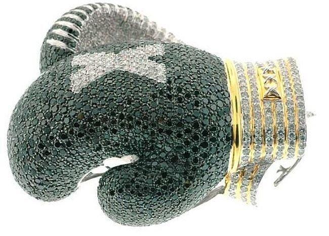 Боксерские перчатки с бриллиантами (3 фото)