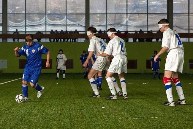 Футбол в слепую (30 фото)