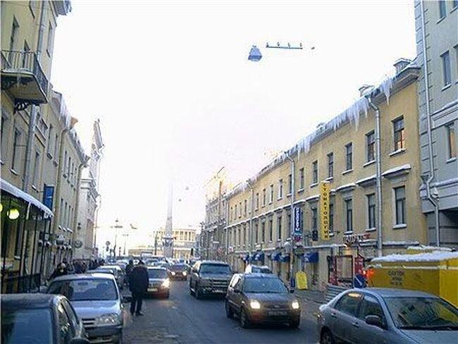 Скандал недели! Коммунальщики закидали машины сосульками (2 фото+2 видео) за 27 января 2010