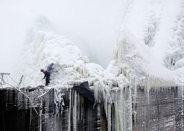 Плотина Саяно-Шушенской ГЭС сегодня (6 фото)