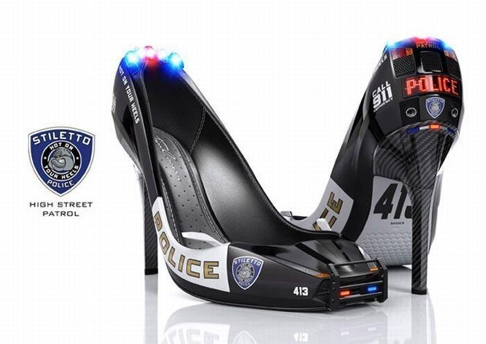 Туфли настоящей женщины-полицейского (4 фото)