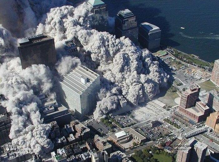 Обрушение Торгового Центра 11 сентября (13 фото)