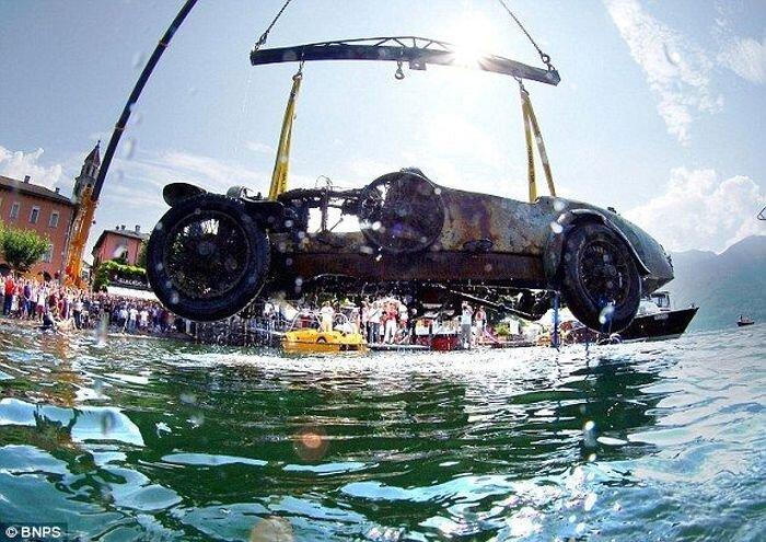 В озере выловили Bugatti Type 22       1925 года выпуска.  (17 фото+видео)