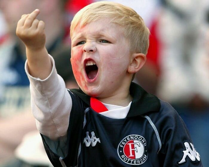 Детишки со взрослыми жестами (50 фото)