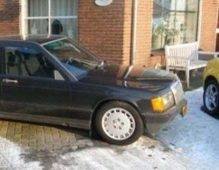 Странный Mercedes (3 фото)