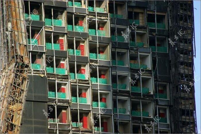Здание Центрального телевидения в Пекине после пожара (15 фото)