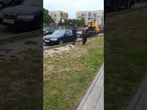 В Пинске подрались гаишник и пешеход