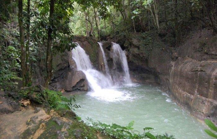 Несчастный случай на водопаде (12 фото)