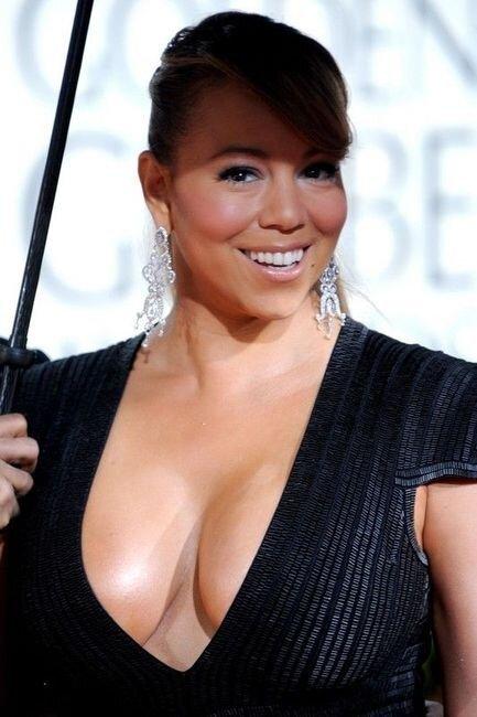 Декольте от Mariah Carey (8 фото)