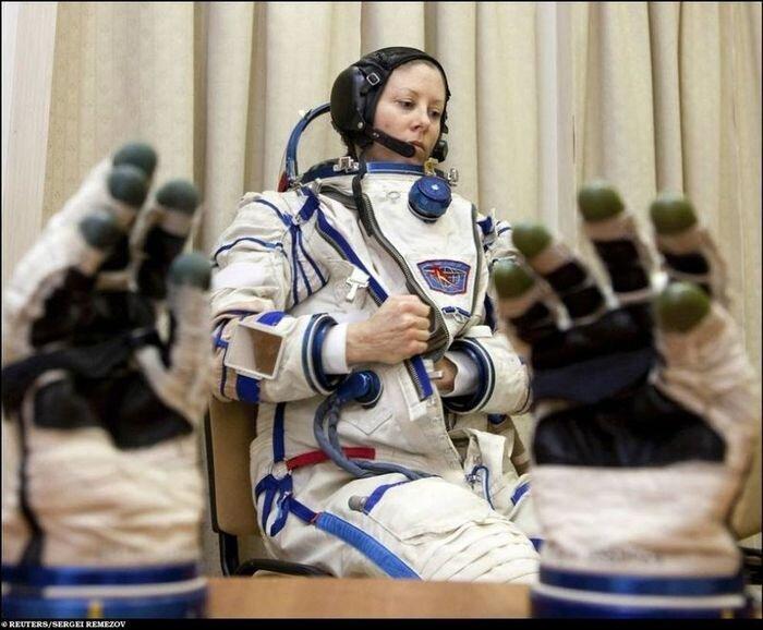 Подготовка Союза ТМА-18 и STS-131 Discovery (10 фото)