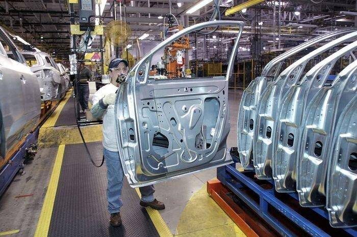 """Сборка автомобилей на заводе """"General Motors"""" (18 фото)"""