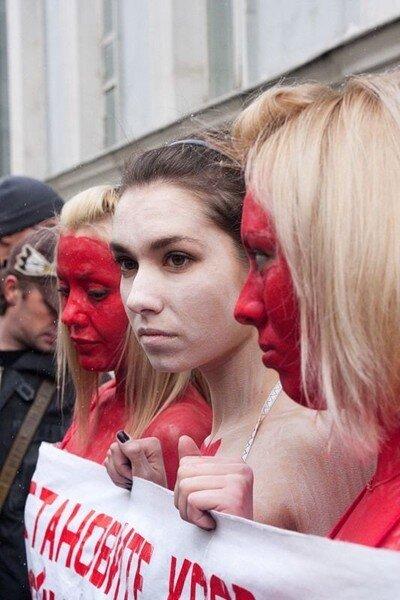 Акция протеста у посольства Канады (5 фото)