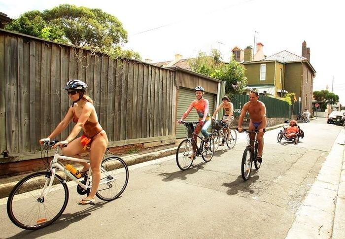 Мартовский марш голых велосипедистов (7 фото НЮ)
