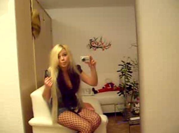 Говорящая блондинка Вконтакте (видео)