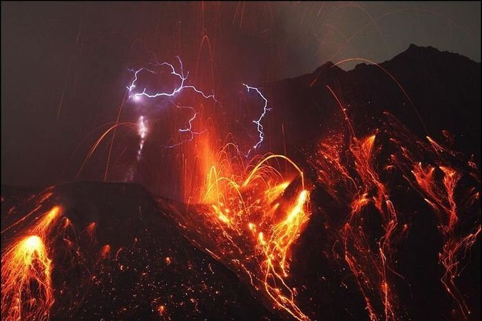Извержения вулканов (12 фото)