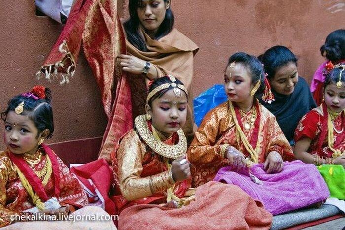 Непал. Выборы Кумари районного масштаба (7 фото)