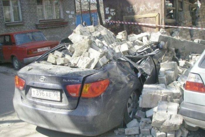 Питерские автомобили под завалинами (7 фото)
