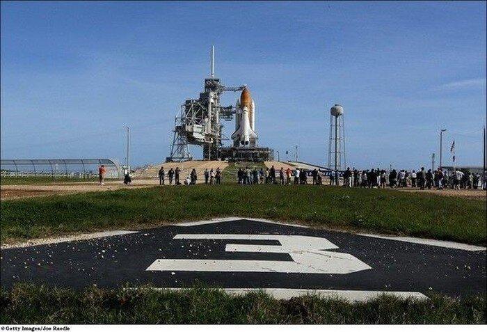 В США запустили космический челнок Discovery (18 фото)