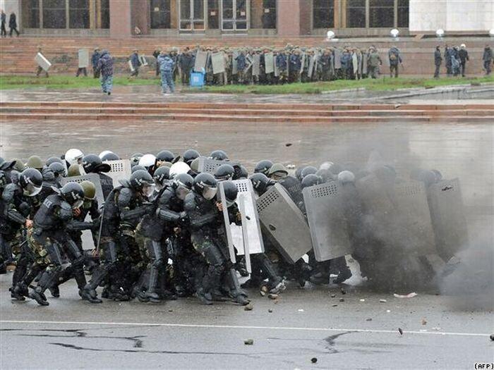 Революция в Киргизии (25 фото+видео)