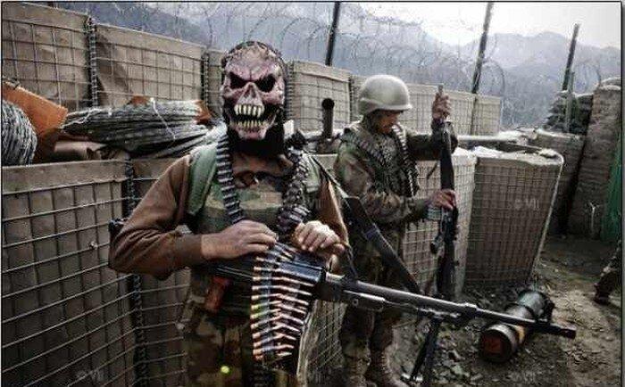 Маски американских солдат (8 фото)