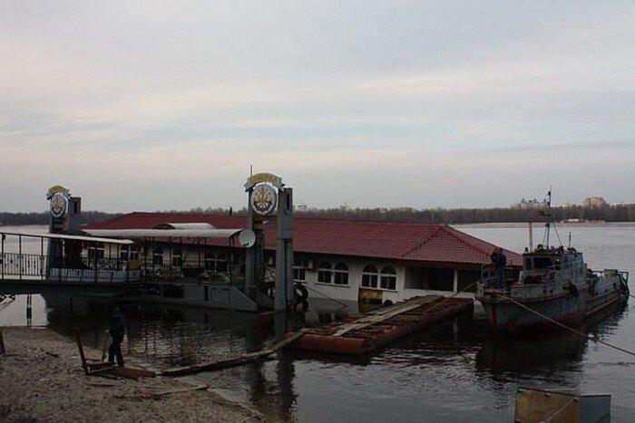 Гостиница утонула (3 фото)