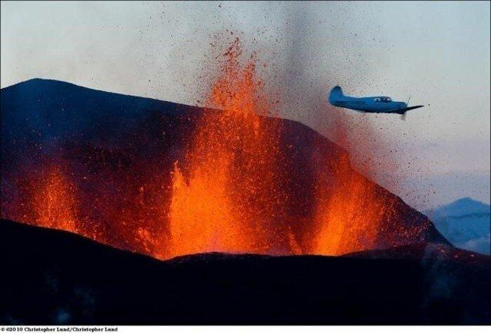 Извержение вулкана (12 фото)