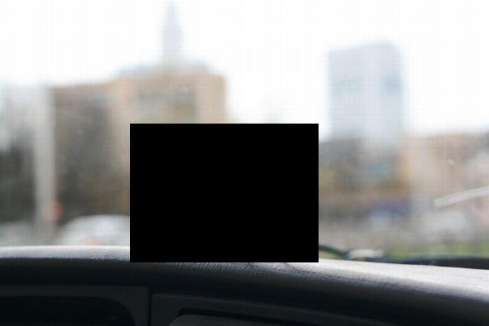 Не дорогой автодержатель мобилки (2 фото)