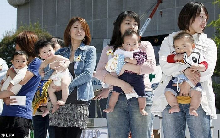 В Японии прошел фестиваль плачущих детей (15 фото) 