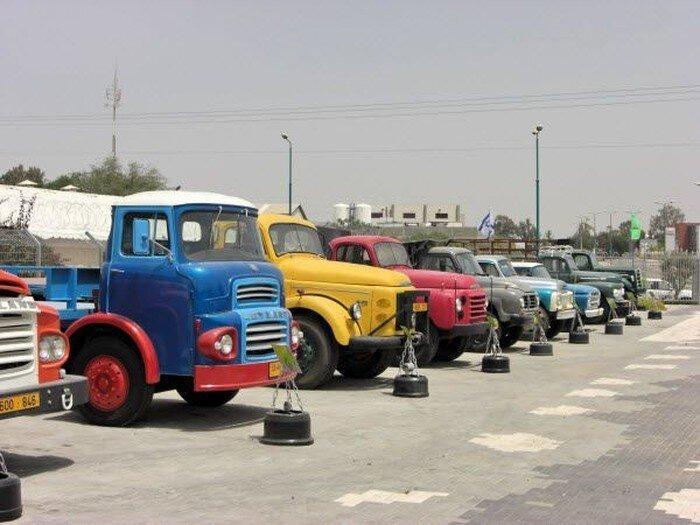 Музей грузовиков  (10 фото)