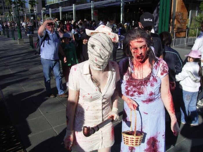 «Zombie Walk» прогулка зомби (77 фото)