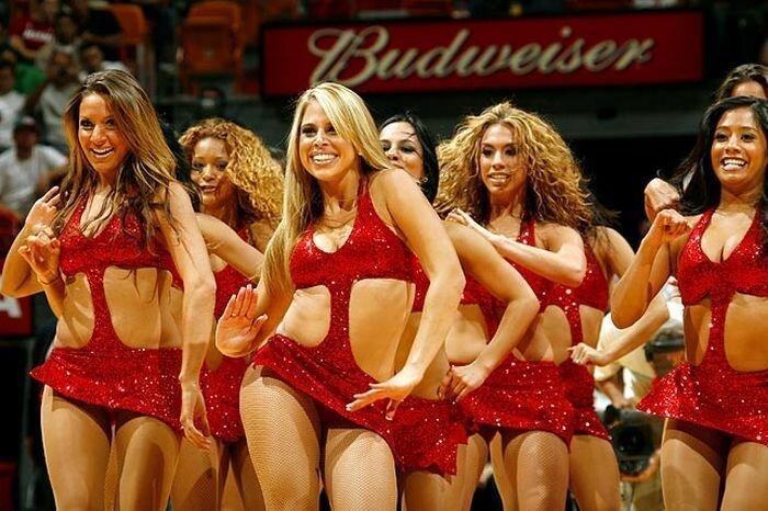 Девушки с финальных игр НБА (32 фото)