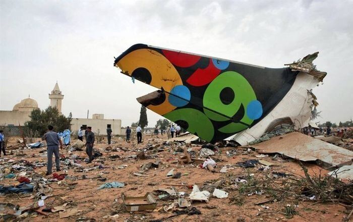 Авиакатастрофа в Триполи (7 фото)