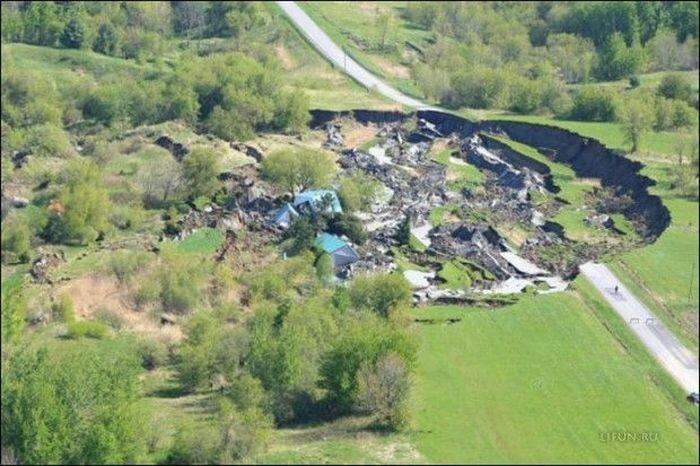 Провал грунта в Квебеке (5 фото)