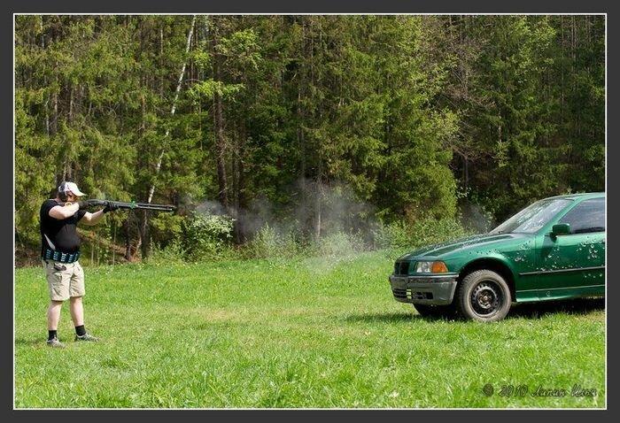 Расстрел BMW (35 фото) за 18 мая 2010
