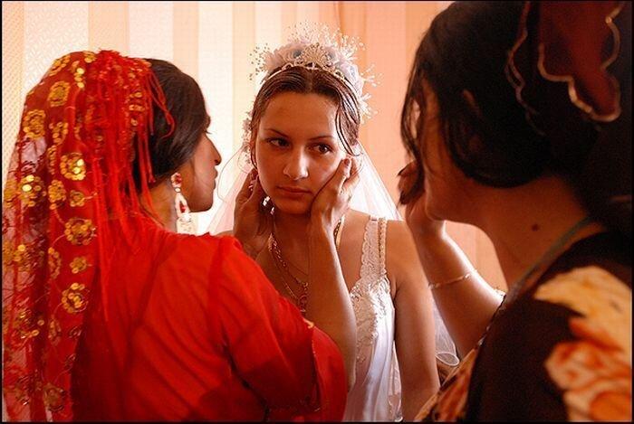 Как проходит цыганская свадьба (15 фото)