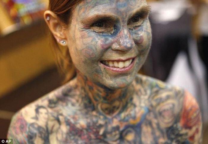 Самая татуированная женщина в мире (6 фото + текст)