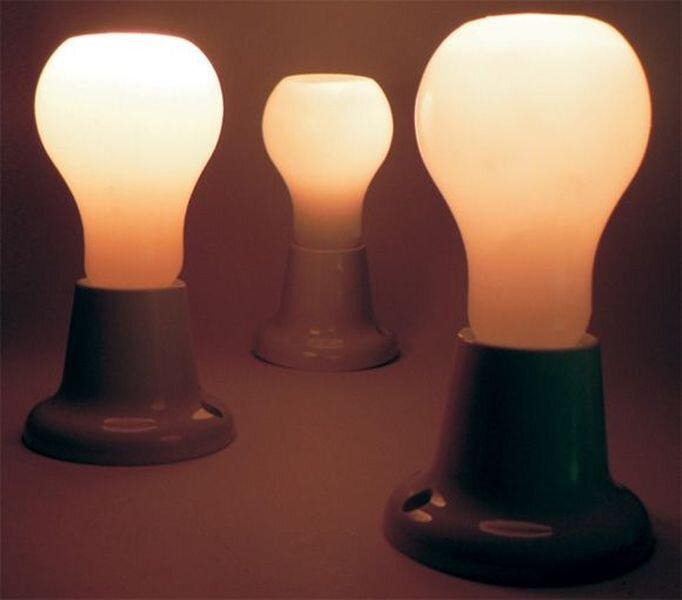 Свеча в виде лампочки (2 фото)