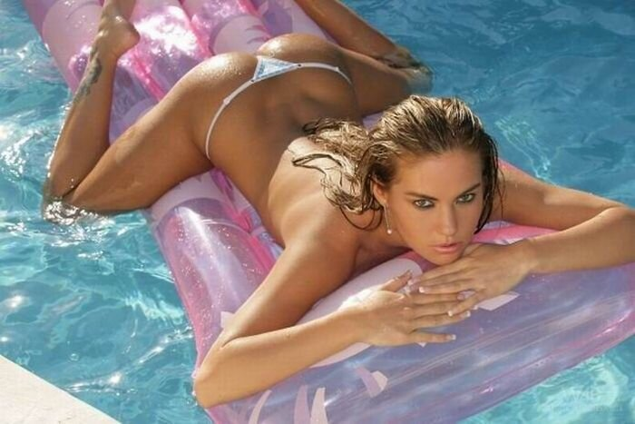 Ямочки на женских спинках (78 фото)